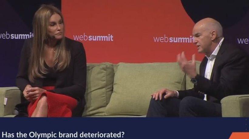 Μια αναπάντεχη συνάντηση: Ο Γιώργος Παπανδρέου στον ίδιο καναπέ με την Caitlyn Jenner | to10.gr