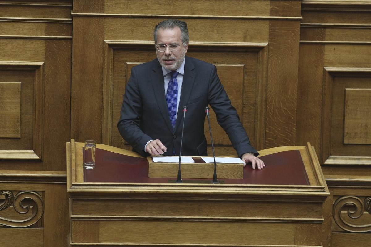 «Ο Γ. Κουμουτσάκος να είναι πιο προσεκτικός στις δηλώσεις του για εθνικά θέματα» δηλώνει κυβερνητικός αξιωματούχος   to10.gr
