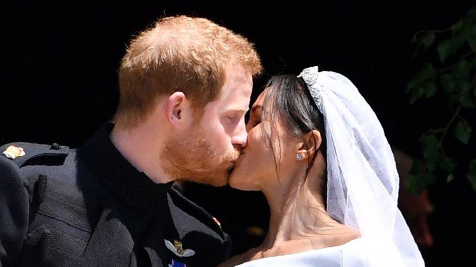 «Ήταν έρωτας με την πρώτη ματιά» : Το ερωτικό ποίημα της Μέγκαν Μαρκλ για τον πρίγκιπα Χάρι! | to10.gr