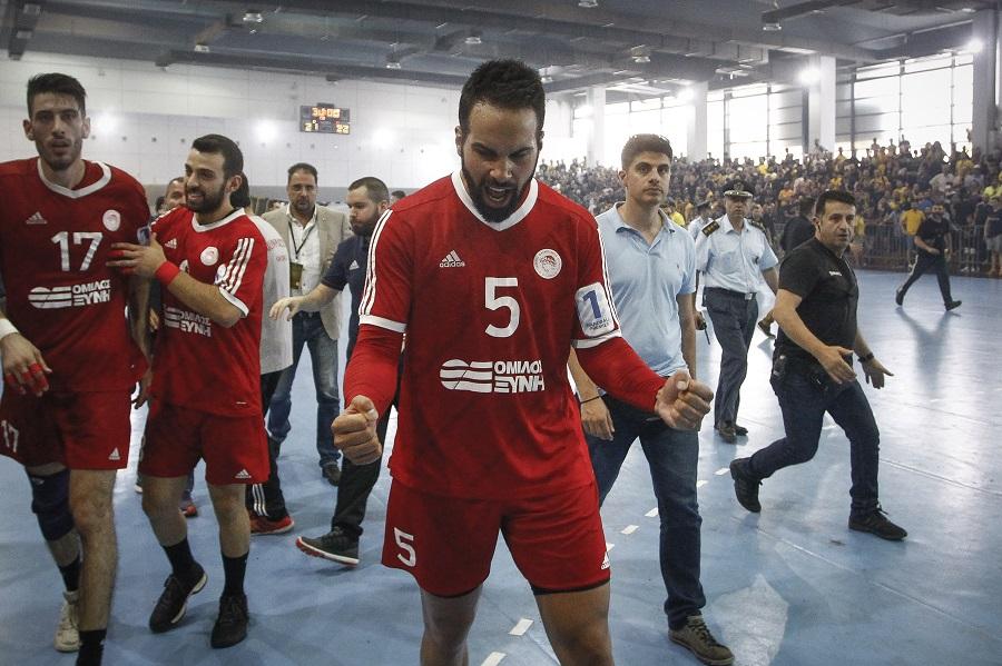 Σκληρή ανακοίνωση Ολυμπιακού : «Αντί να ζητήσει συγνώμη η ΑΕΚ, βγαίνει και στην επίθεση»   to10.gr