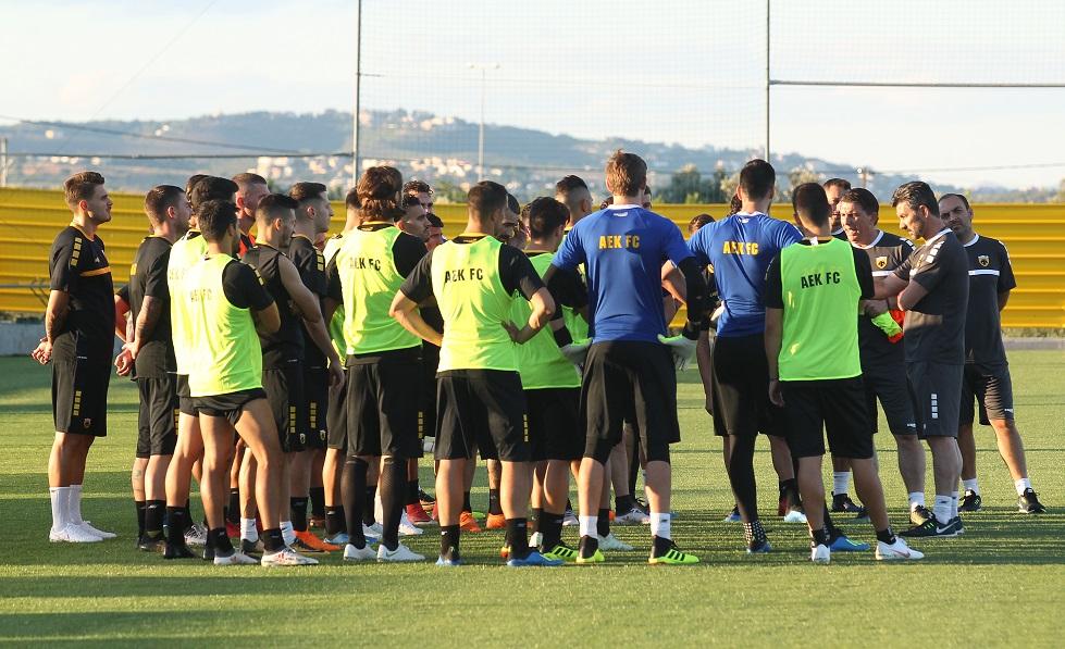 Με 25 ποδοσφαιριστές η αποστολή της ΑΕΚ για Πολωνία   to10.gr