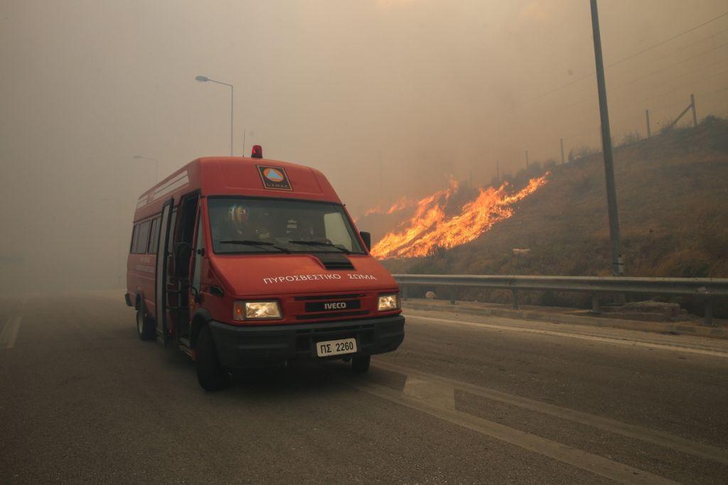 Μεγάλα πύρινα μέτωπα στη Ζάκυνθο | to10.gr