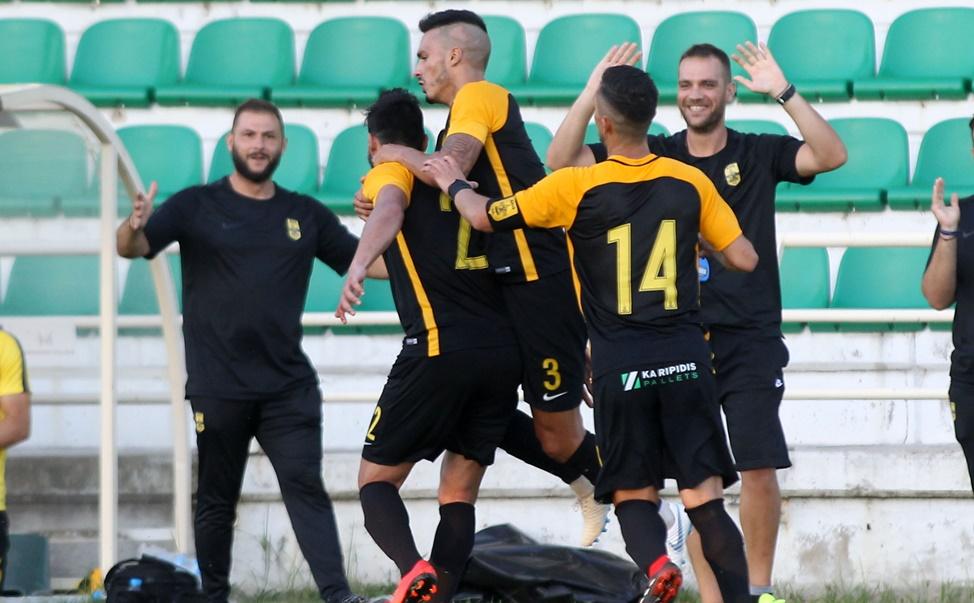 Χάρηκε το πρώτο «κιτρινόμαυρο» γκολ του ο Γιουνές (pic) | to10.gr