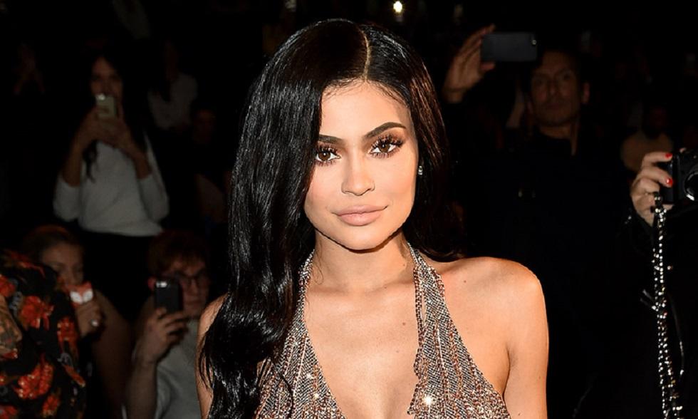 To εξωφρενικό δώρο της Kylie Jenner στον make up artist της | to10.gr