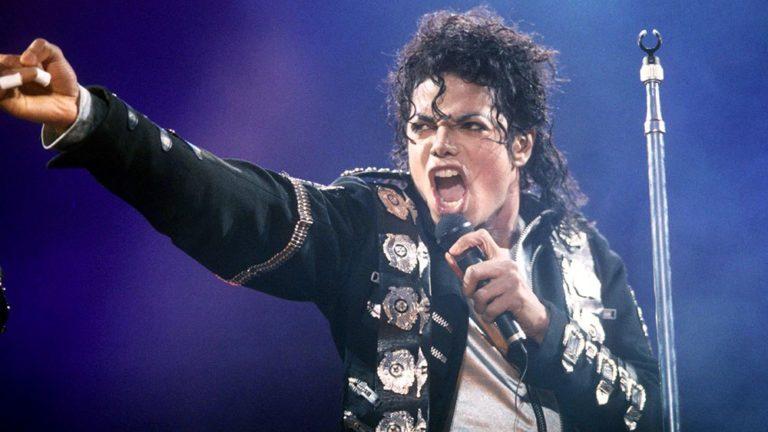 Έτσι κατάφερε ο Μάικλ Τζάκσον να βγάλει περισσότερα χρήματα νεκρός παρά ζωντανός (pics)   to10.gr