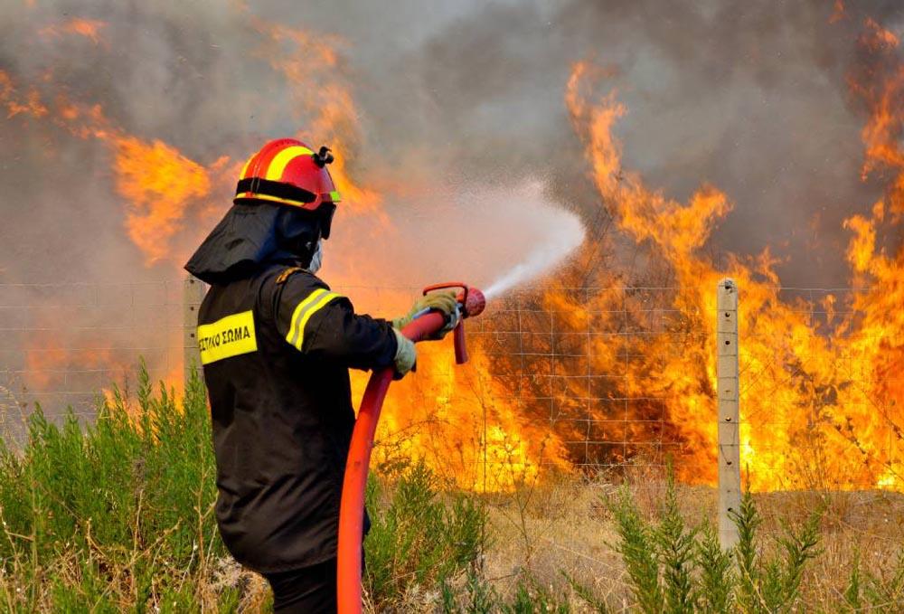 Μεγάλη φωτιά στην Εύβοια – Εκκενώνονται οικισμοί, διακοπή κυκλοφορίας (vid+pics) | to10.gr