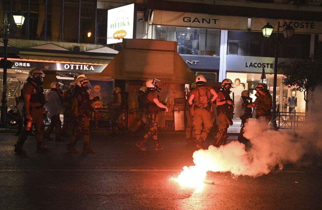 Μαχαιριές, ξύλο και τραυματίες σε μάχη οπαδών στη Θεσσαλονίκη! | to10.gr
