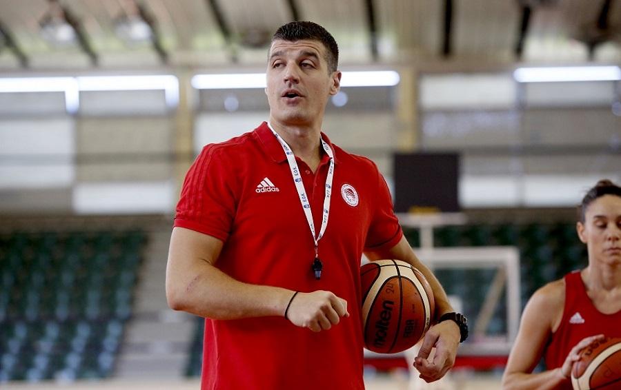 Παντελάκης: «Είναι μία μεγάλη επιτυχία του Ολυμπιακού, αλλά και του γυναικείου μπάσκετ» | to10.gr