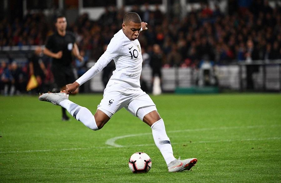 Μπαπέ: Ο πρώτος κάτω των 20 που βάζει 10 γκολ για την Γαλλία | to10.gr