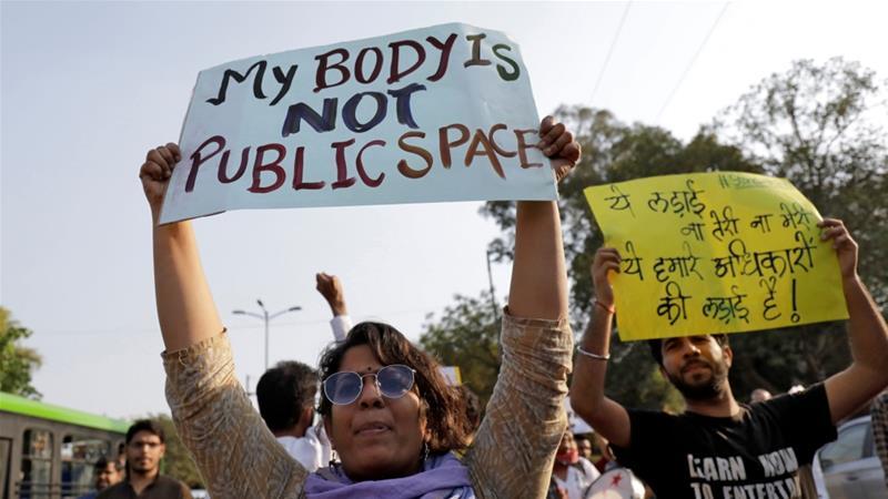 Άγρια ομαδική επίθεση κατά 34 ανήλικων κοριτσιών στην Ινδία | to10.gr