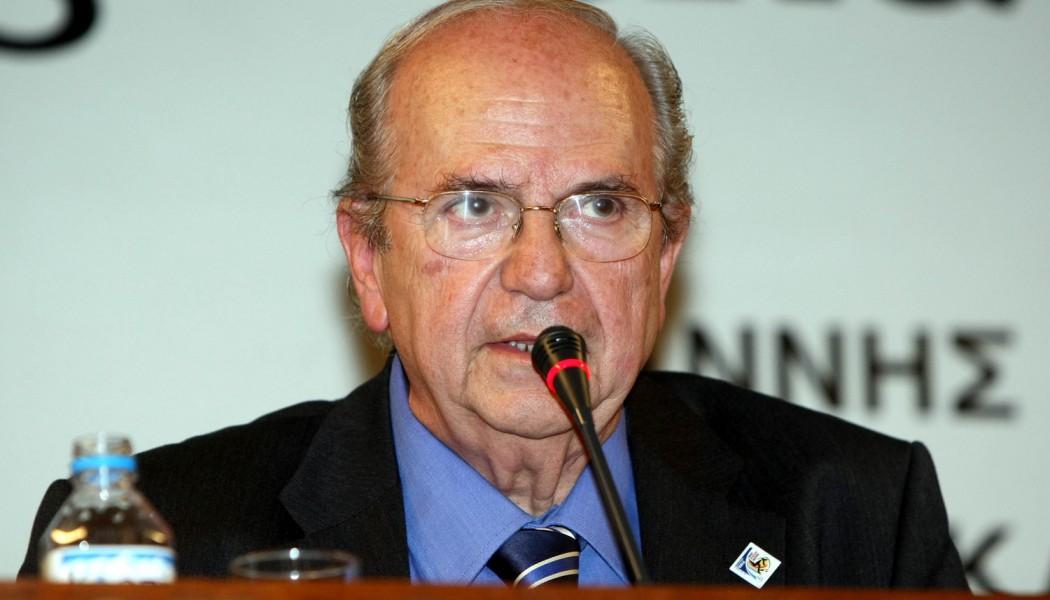 Πέθανε ο σπουδαίος δημοσιογράφος και συγγραφέας Ανδρέας Μπόμης | to10.gr