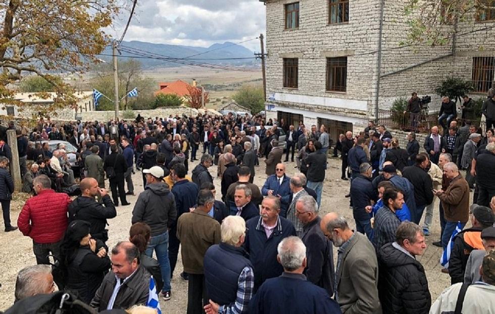 Βουλιαράτες : Φωτογραφίες από τον κόσμο στην πλατεία του χωριού | to10.gr