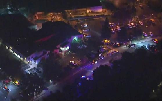 Τουλάχιστον 12 νεκροί σε ένοπλη επίθεση σε μπαρ της Καλιφόρνια | to10.gr
