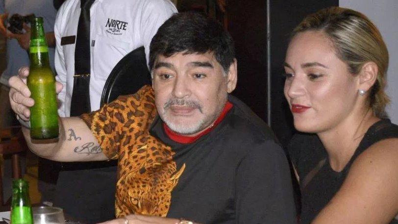 Ο Μαραντόνα φόρεσε μια… λεοπάρδαλη! | to10.gr