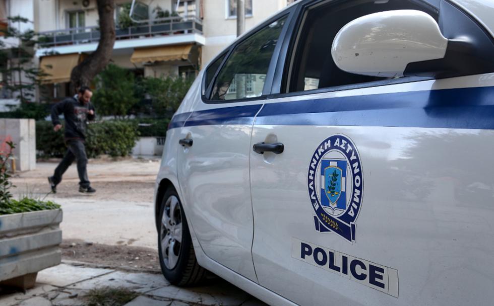 Άγνωστοι επιτέθηκαν σε ομάδα αστυνομικών- Ένας τραυματίας | to10.gr