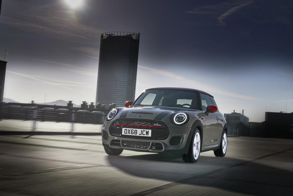 Τα Mini John Cooper Works και Cabrio συμβατά με τους κανονισμούς Euro 6d-TEMP | to10.gr