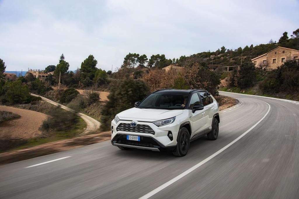 Νέο Toyota RAV4 Hybrid | to10.gr