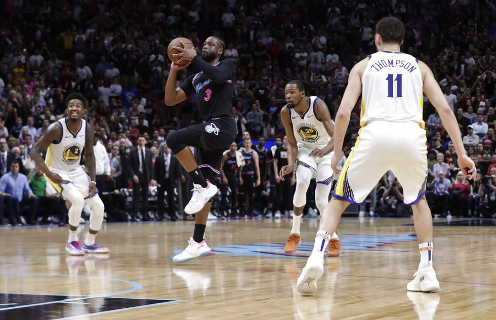 NBA: Καρφώματα, τάπες και Ουέιντ στην κορυφή του Τοπ 10 (vid) | to10.gr