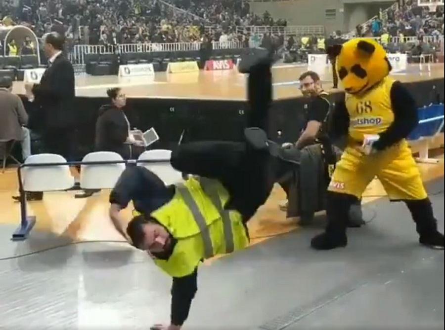 Επικός χορός από σεκιουριτά και την μασκότ της ΑΕΚ στο ΟΑΚΑ (vid)   to10.gr