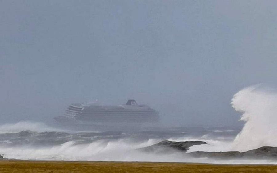 Νορβηγία: Επιχείρηση εκκένωσης κρουαζιερόπλοιου με 1300 επιβάτες   to10.gr
