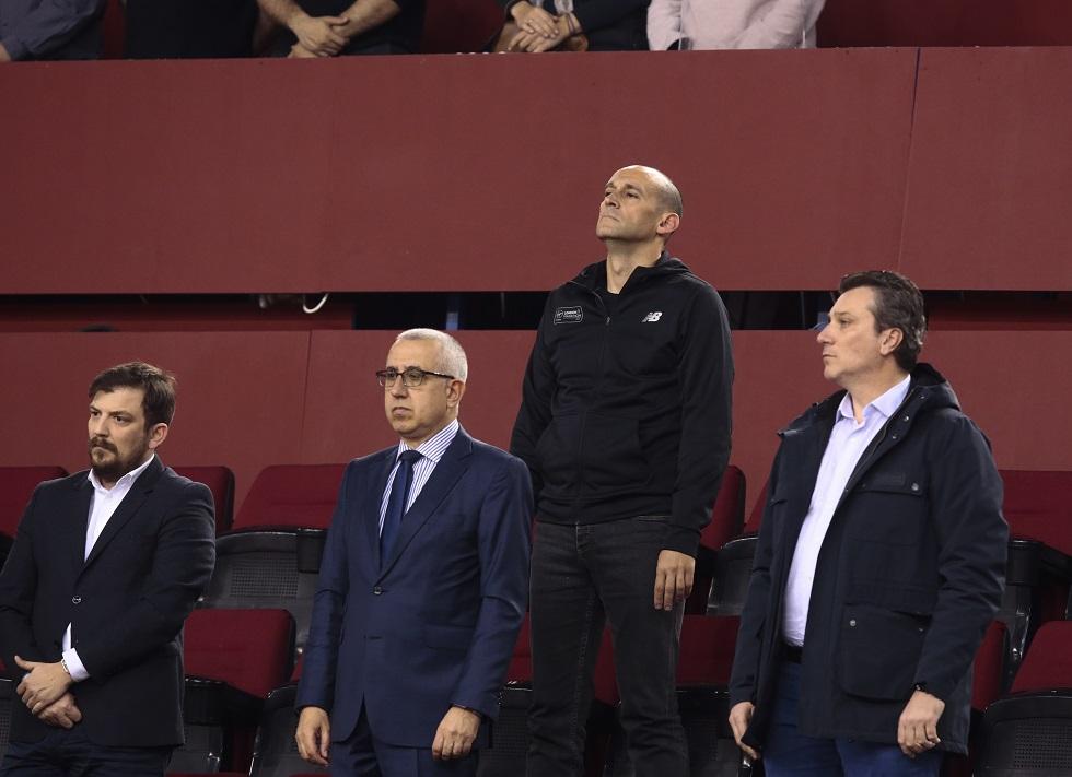 Ο σεβασμός του Ολυμπιακού στη μνήμη του Θανάση Γιαννακόπουλου | to10.gr
