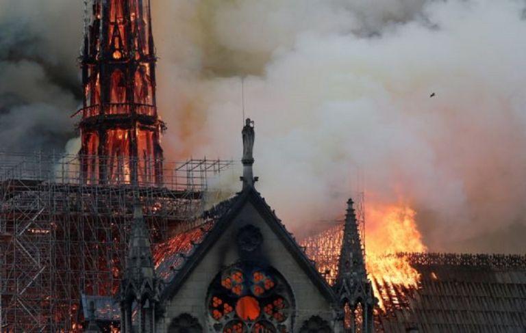 Συγκλονίζουν οι μαρτυρίες για την Παναγία των Παρισίων:«Τα πάντα καταρρέουν» | to10.gr