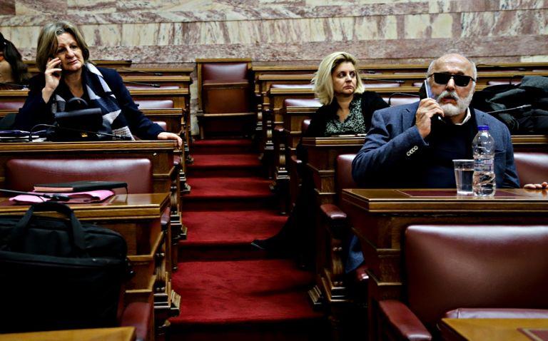 Ταραχή στον ΣΥΡΙΖΑ για τον «εναγκαλισμό» Κουρουμπλή – Αμβρόσιου | to10.gr
