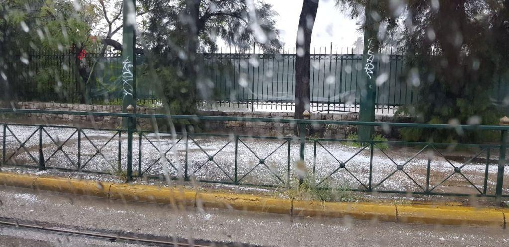 «Τρελάθηκε» ο καιρός – Χαλαζόπτωση στο κέντρο της Αθήνας   to10.gr
