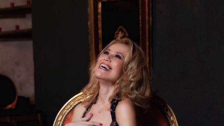 Η Κωνσταντίνα Μιχαήλ ποζάρει με τα… διχτυωτά της (pic)   to10.gr