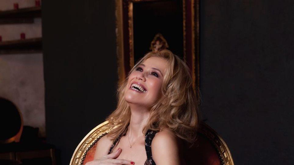 Η Κωνσταντίνα Μιχαήλ ποζάρει με τα… διχτυωτά της (pic) | to10.gr