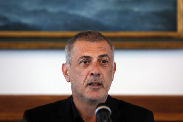 Συνάντηση Μώραλη με Γ. Σγουρό στο περιθώριο εκδήλωσης στον Πειραιά | to10.gr