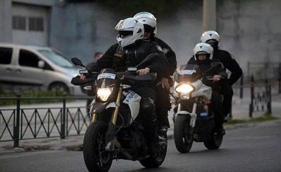 Επίθεση σε αστυνομικούς της Ομάδας ΔΙΑΣ στη Βούλα – Τέσσερις τραυματίες | to10.gr