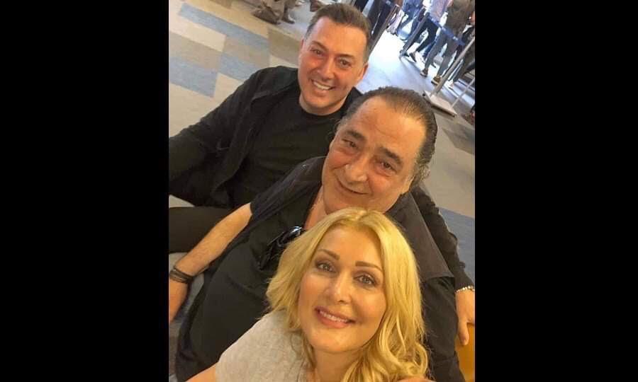 Καρράς – Θεοδωρίδου – Μακρόπουλος: Η συνάντηση στο αεροδρόμιο, η selfie και ο κατακλυσμός σχολίων για… το σχήμα της χρονιάς!   to10.gr