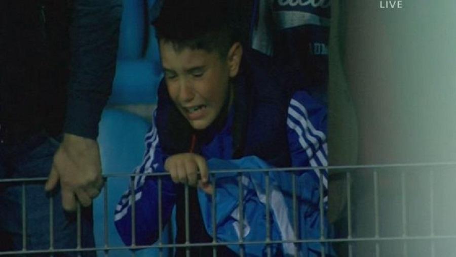 Τα δάκρυα του πιτσιρικά για τον υποβιβασμό του ΠΑΣ | to10.gr