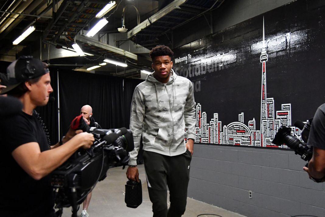 Η άφιξη των Μπακς στην Scotiabank Arena του Τορόντο (vid) | to10.gr