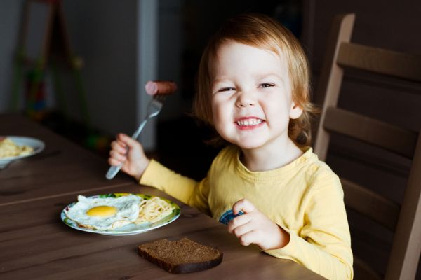 Τι να κάνω αν το παιδί μου σιχαίνεται το αυγό; | to10.gr