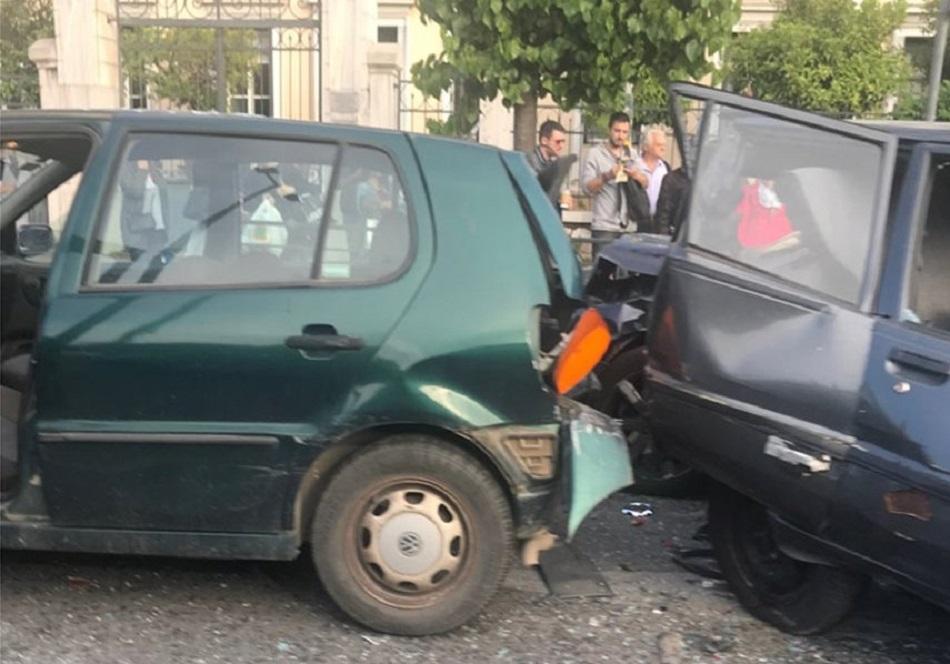 Καραμπόλα 4 οχημάτων στη Βασ. Σοφίας – 4 ελαφρά τραυματίες | to10.gr