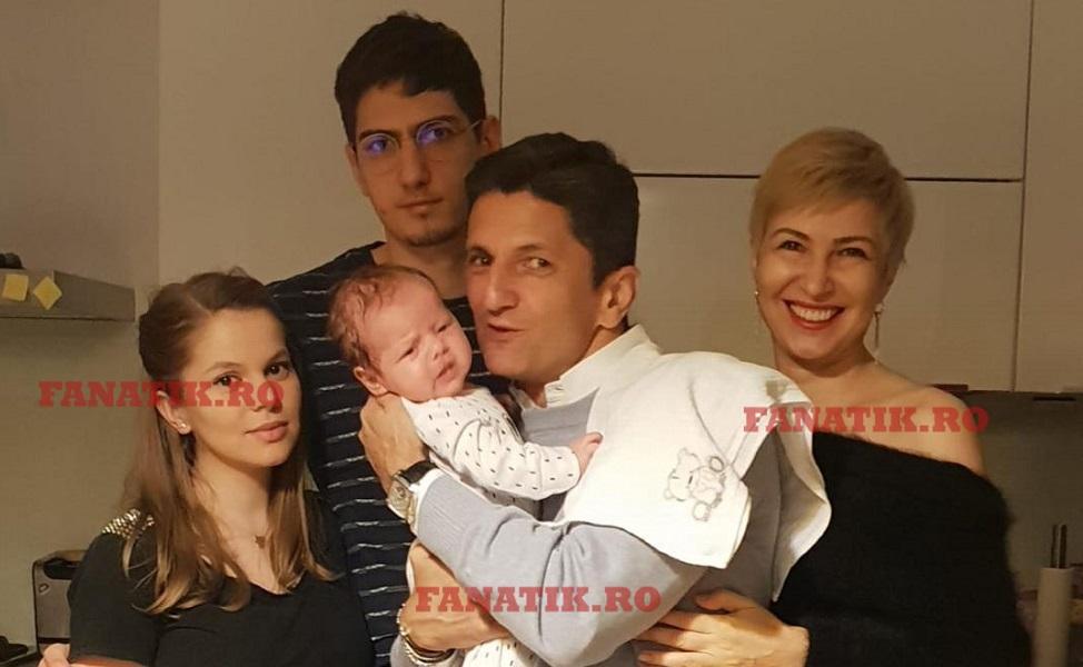 Ο Λουτσέσκου βαπτίζει και το δεύτερο εγγόνι του (pics)   to10.gr