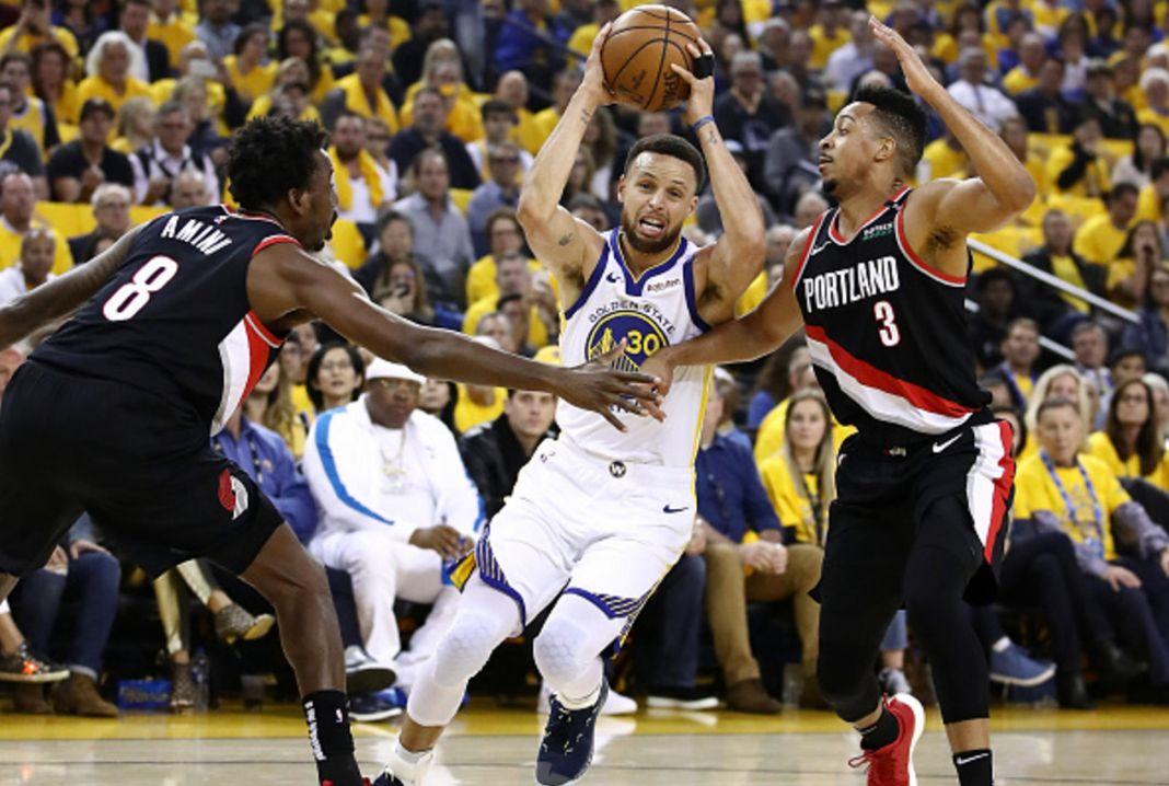NBA Playoffs: Μπορούν να απειλήσουν τους Γουόριορς οι Μπλέιζερς; | to10.gr