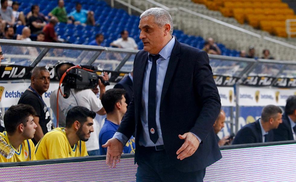 Πεδουλάκης: «Δεν μας ανήκει ο Αγραβάνης, ο Καράμπελας έχει βάρος πάνω του» | to10.gr
