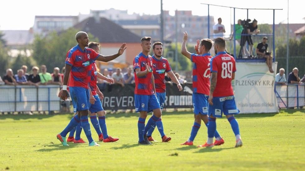 Φιλική νίκη (2-0) για την Βικτόρια Πλζεν | to10.gr