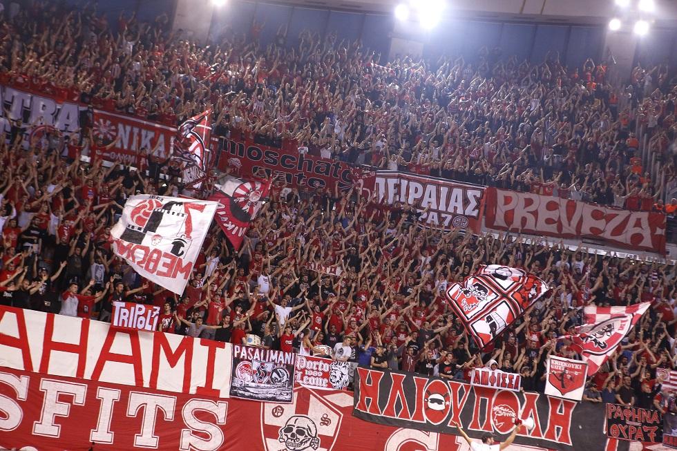 Ολυμπιακός: «Δώσε δύναμη στην ομάδα μας με την φωνή σου» (vid) | to10.gr