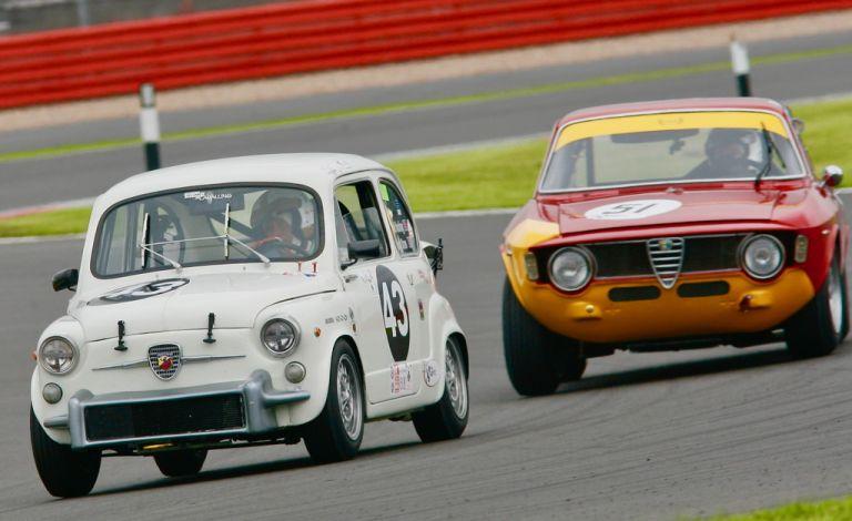 Δυναμική παρουσία των Abarth και Alfa Romeo στο Silverstone Classic | to10.gr