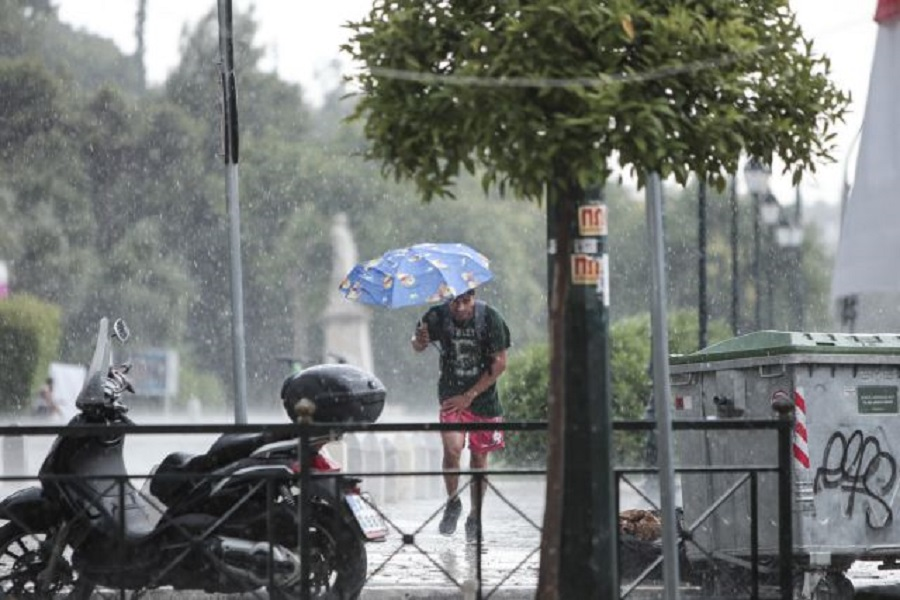 Έρχονται βροχές και καταιγίδες την Κυριακή – Επιδείνωση του καιρού από το βράδυ του Σαββάτου | to10.gr