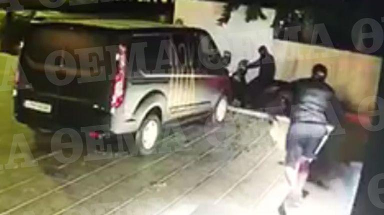 Βίντεο-ντοκουμέντο: Η στιγμή της τρομακτικής έκρηξης σε κάβα στη Βουλιαγμένη | to10.gr