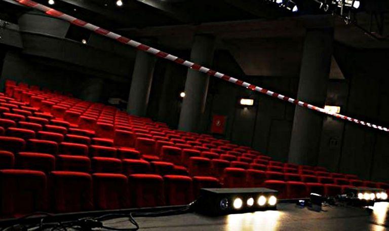Συγκλονίζει έλληνας ηθοποιός: Δεν υπάρχει ούτε ευρώ για να ζήσω   to10.gr