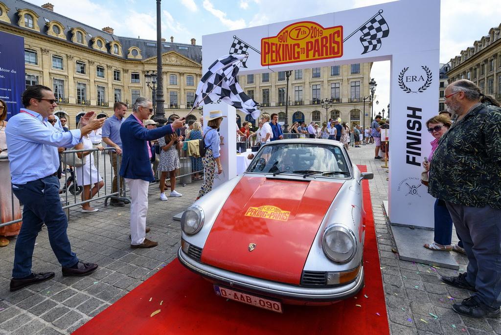 Ο 87χρονος Τζέρι Κράουν και ο Ματ Μπράισον ήταν οι νικητές του Πεκίνο-Παρίσι Motor Challenge 2019 | to10.gr