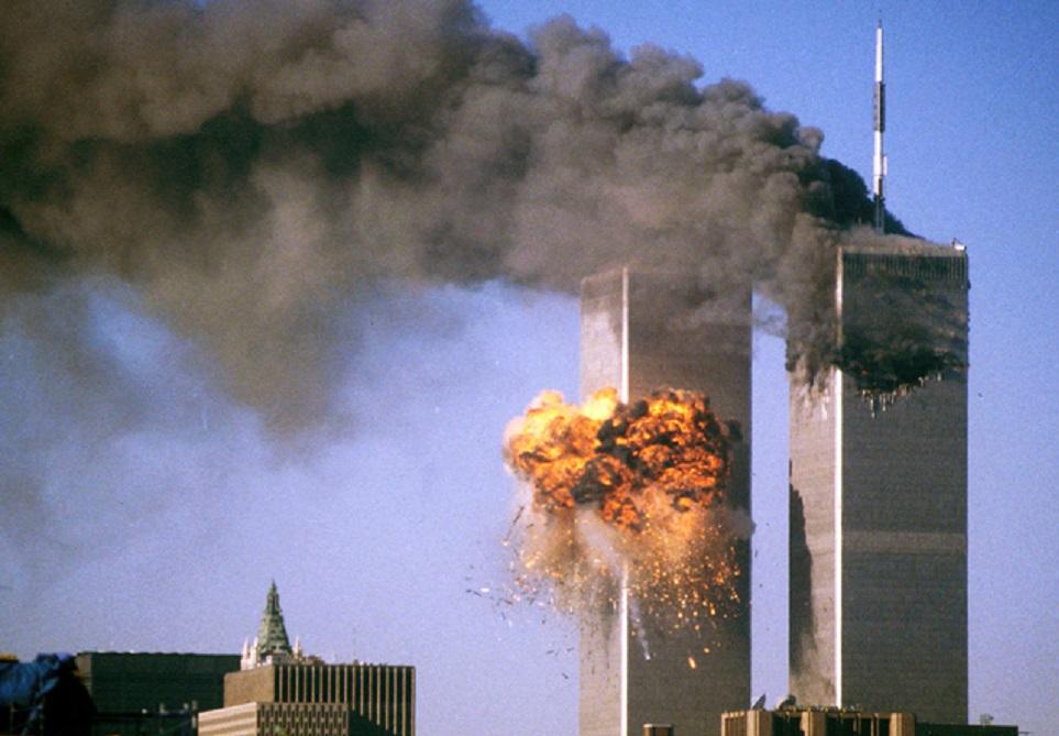 11η Σεπτεμβρίου: «The Falling Man» – Η φωτογραφία που δίχασε την κοινή γνώμη | to10.gr