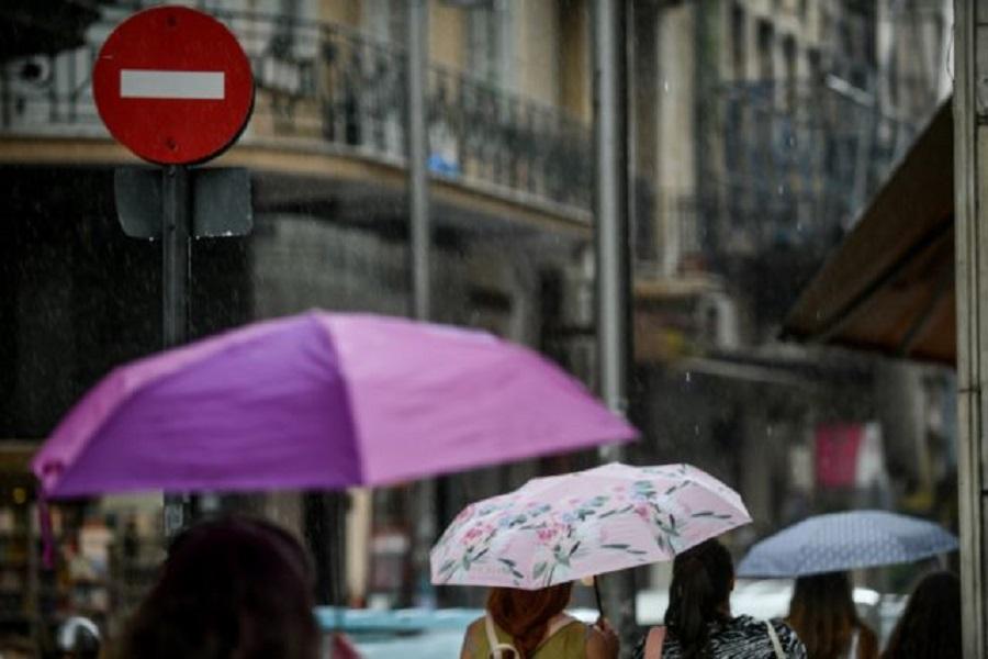 Αλλάζει το σκηνικό του καιρού: Βροχές και καταιγίδες τις επόμενες ώρες | to10.gr