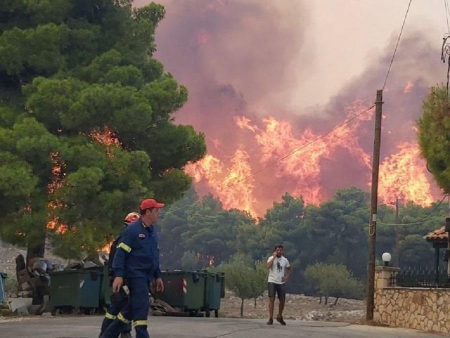 Πύρινο μέτωπο 10χλμ στη Ζάκυνθο – Ενισχύονται οι δυνάμεις της Πυροσβεστικής | to10.gr